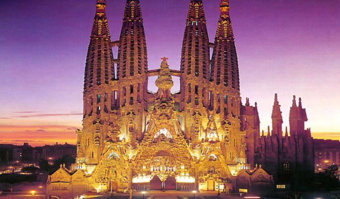 Travel Cheap Barcelona, Spain