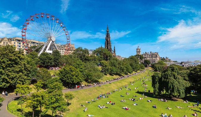 Travel Cheap to Edinburgh